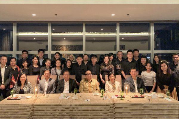 BESarawak team posing with SCB's board of directors members during the BESarawak Appreciation Dinner.